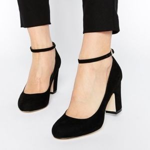 Banana Republic Black Suede Pumps 8